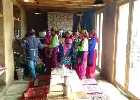पहाडी शैली में बना बासा होम स्टे महिला समूह के लिये बना स्वरोजगार का बडा जरिया।